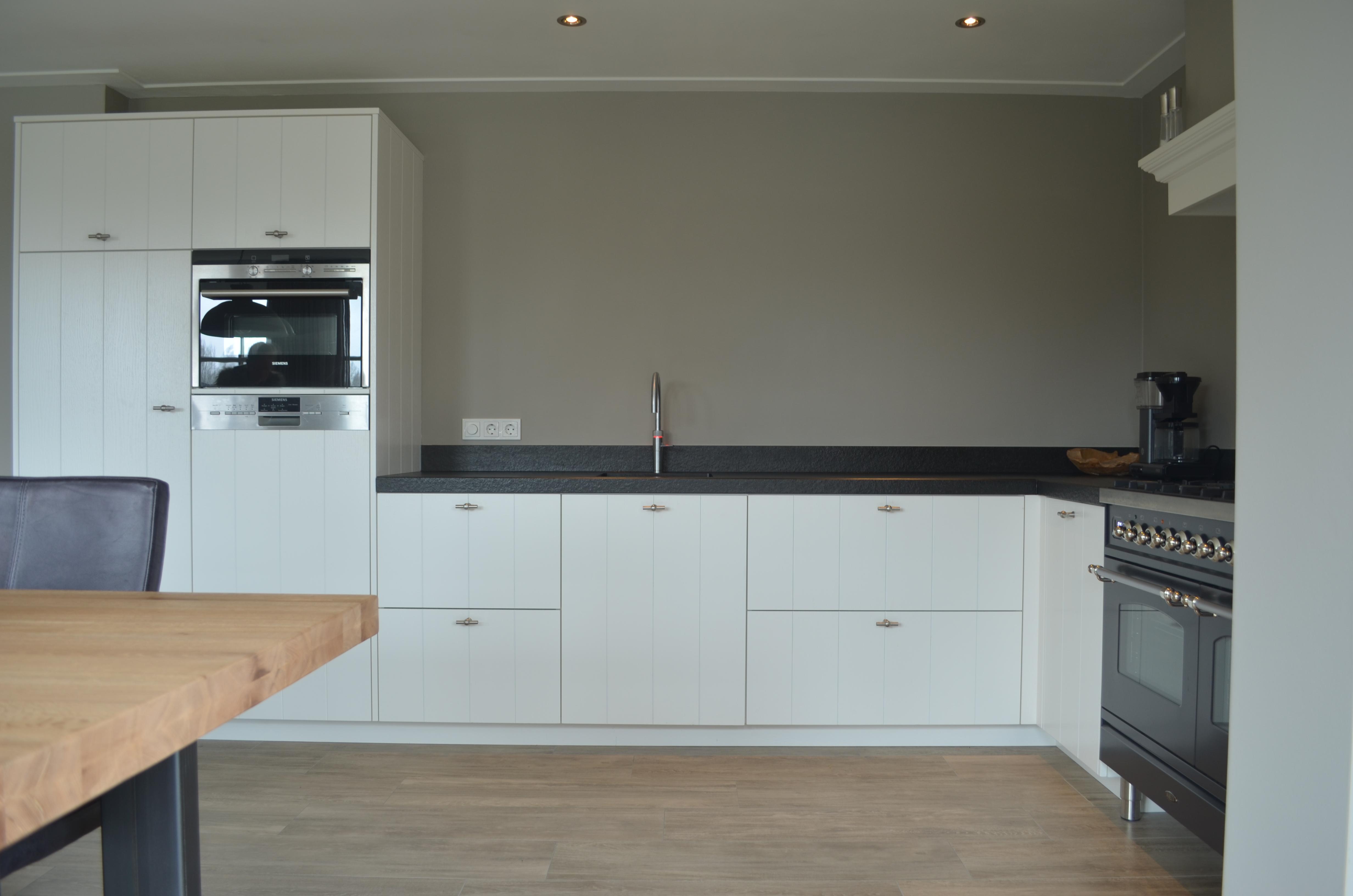 Witte Keuken Landelijk : Keuken landelijk wit van kaathoven interieurbouw