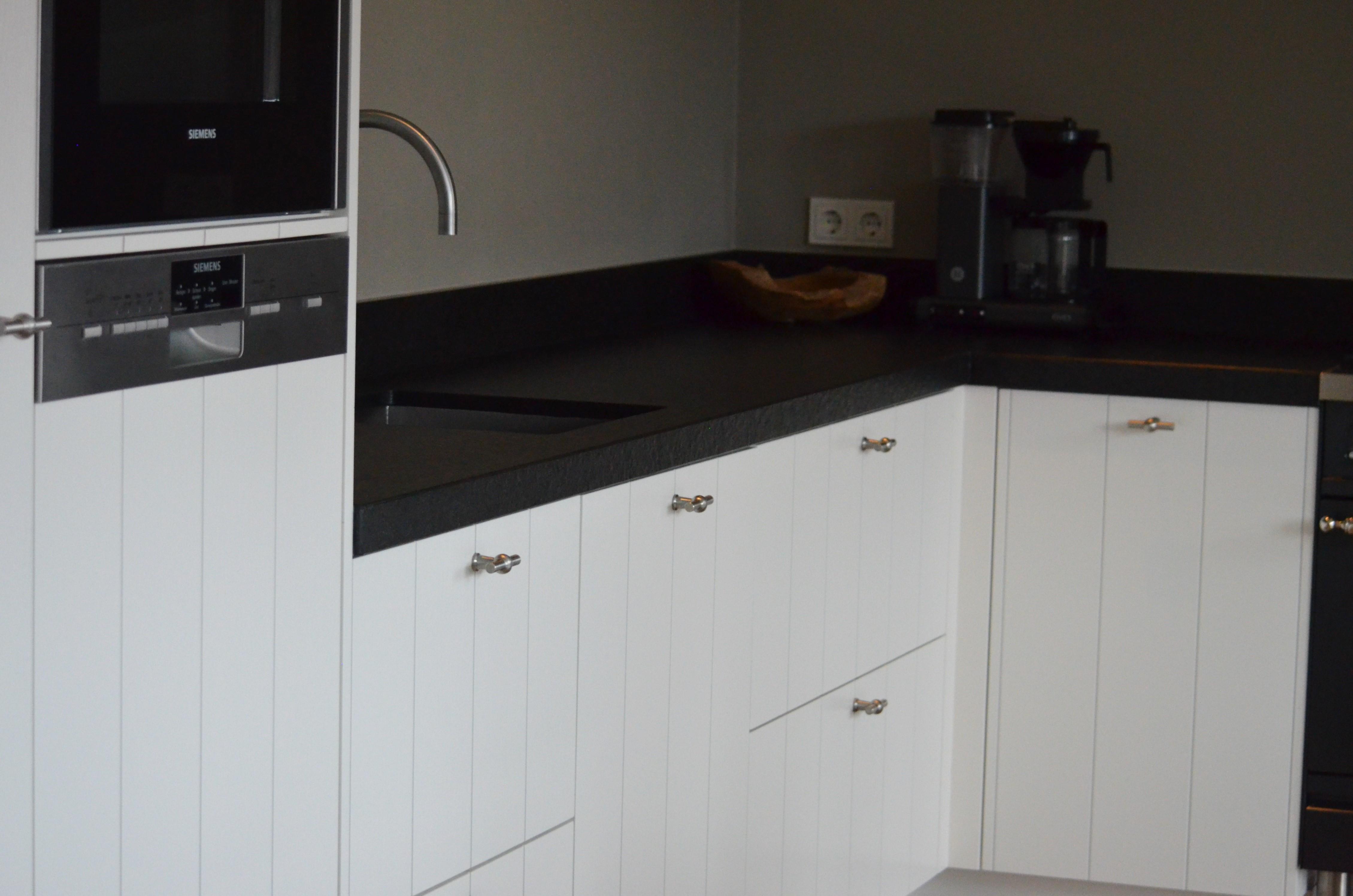 Keuken landelijk wit - Witte keuken voorzien van gelakt ...